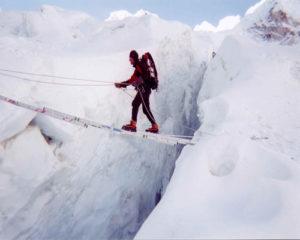 Heartbreaking-Accident-in-Mount-Everest2